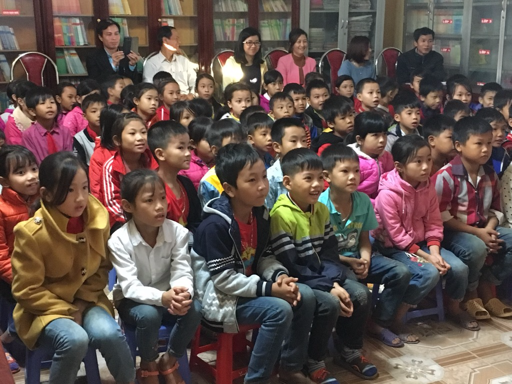 School children in Vietnam watch the Magic Glasses film about the importance of hygiene behaviors, November 2017