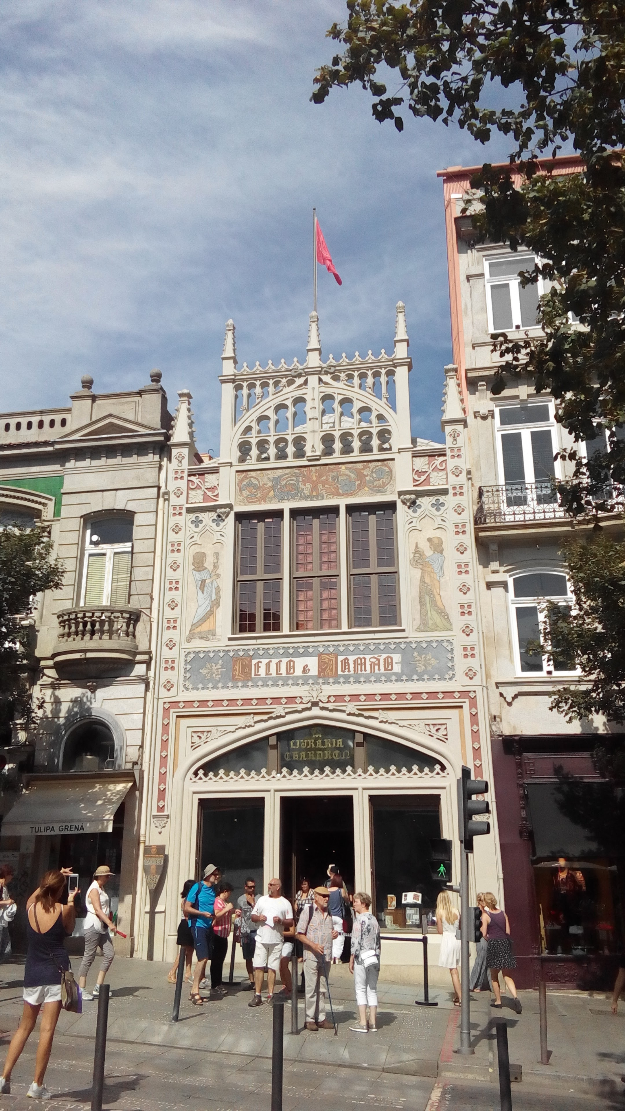 Outside the library, Livraria Lello