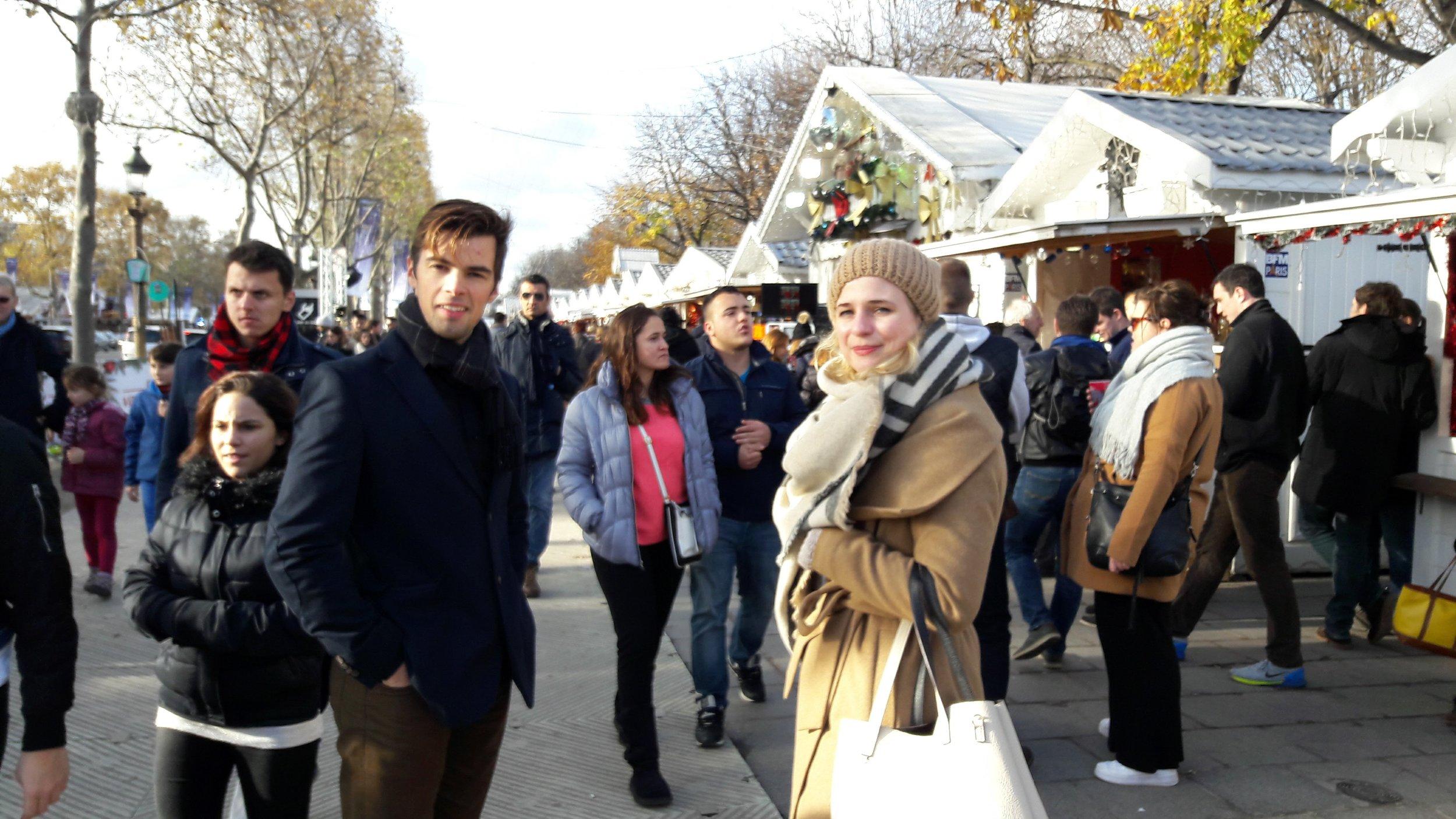 Marcio and Lena :) <3 champs-elysées christmas market