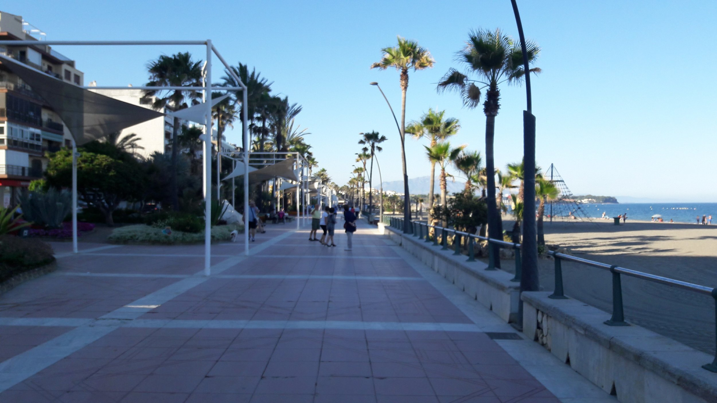 Estepona - Everywhere you look, you'll see flowers and lush gardens along the boardwalk and nautical blue and white styled homes.