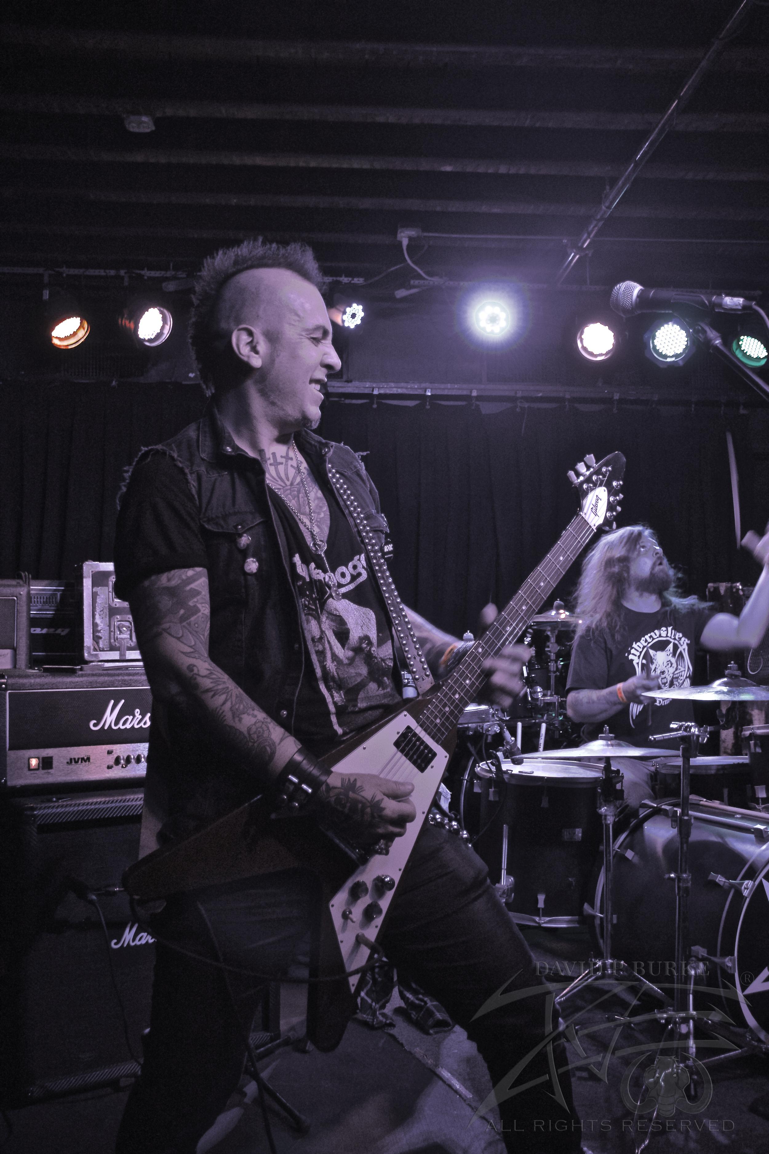 Lotus Gait guitarist Fox  photo:David Burke