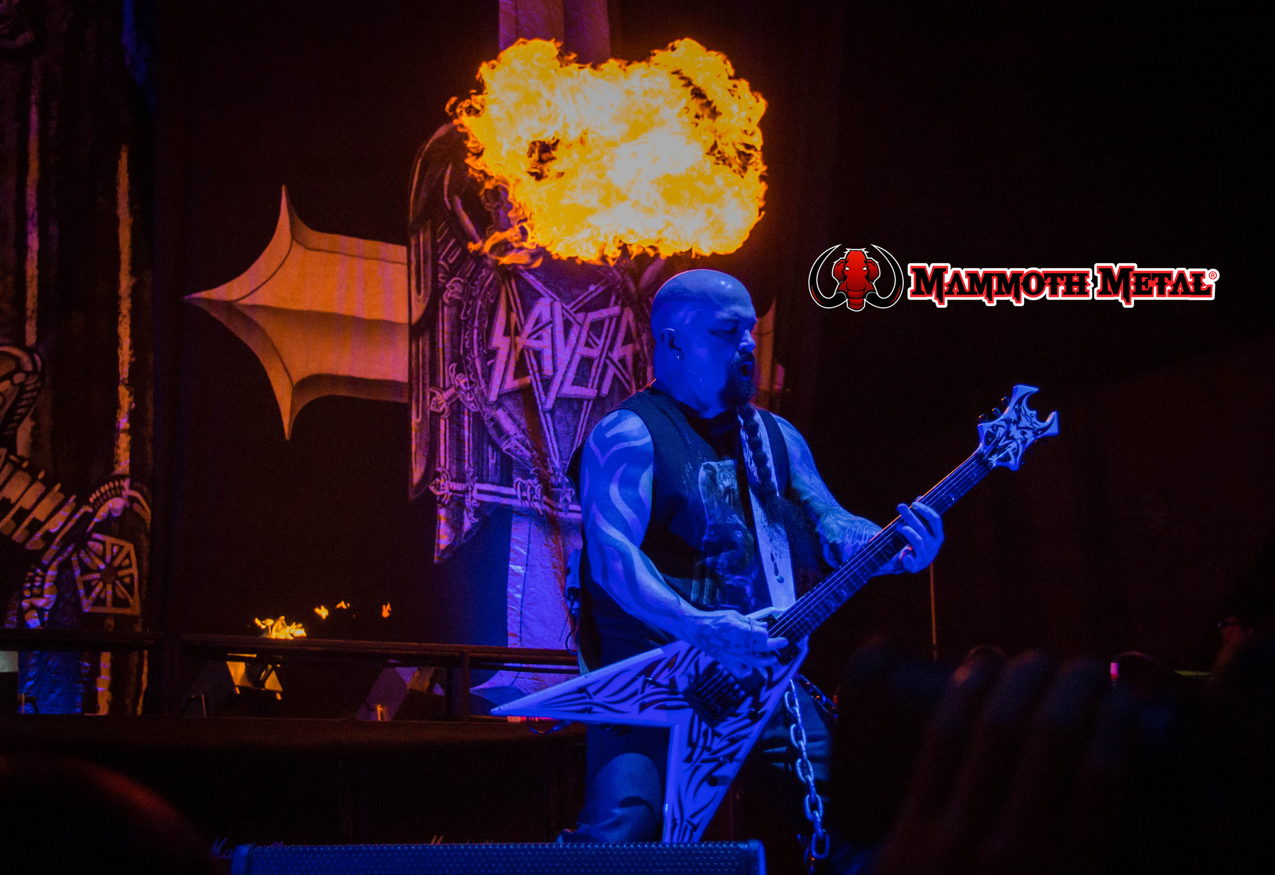 Kerry King with his crown   photo: David Burke