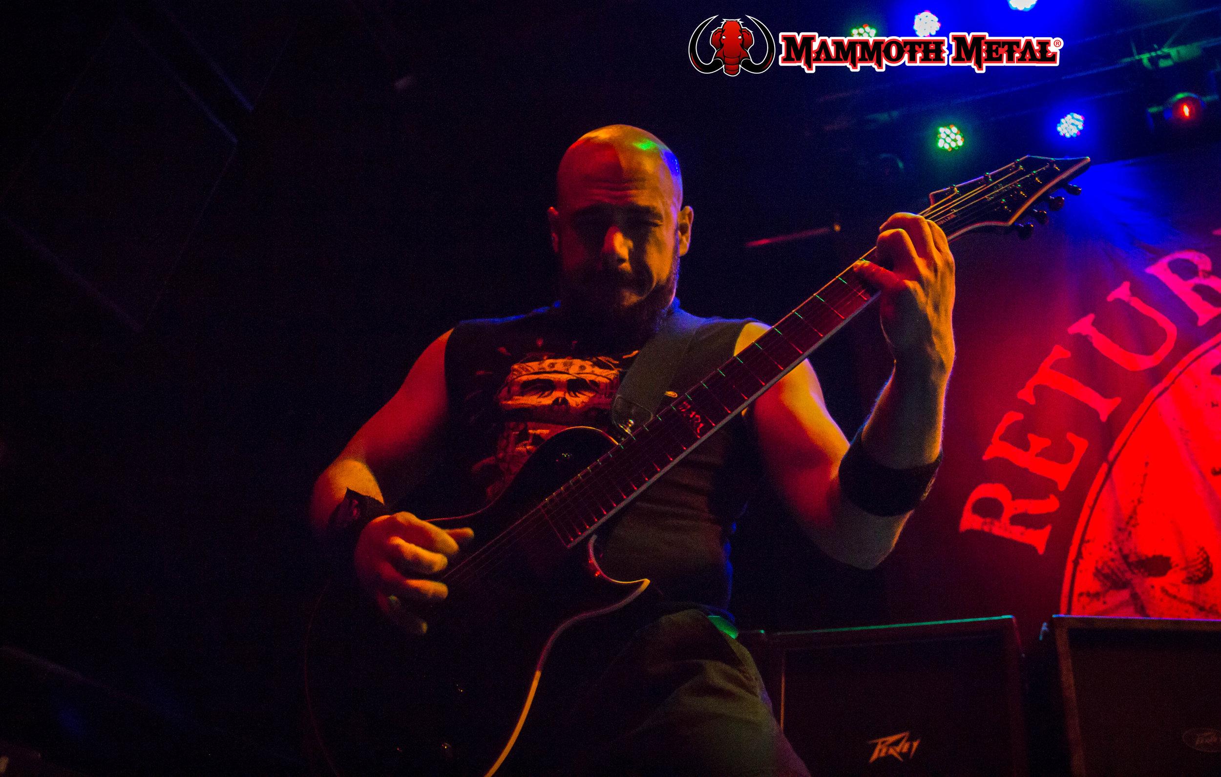 Marc Rizzo rips and shreds.\m/  photo: David Burke