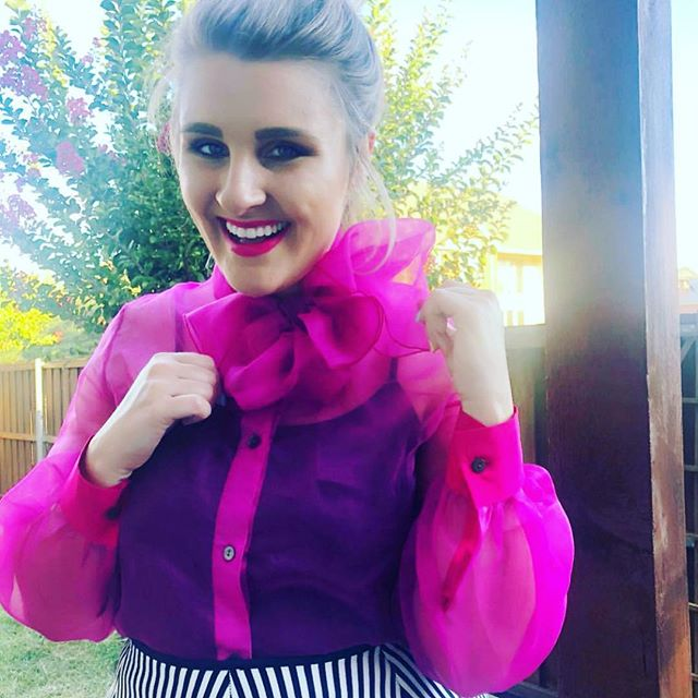 Not only is she an incredible human, she's stylish AF. She also has an amazing blog. @fashionsoffancy sporting our #Atelier blouse in magenta (aka Texas Beige). I always adore the way she styles everything!