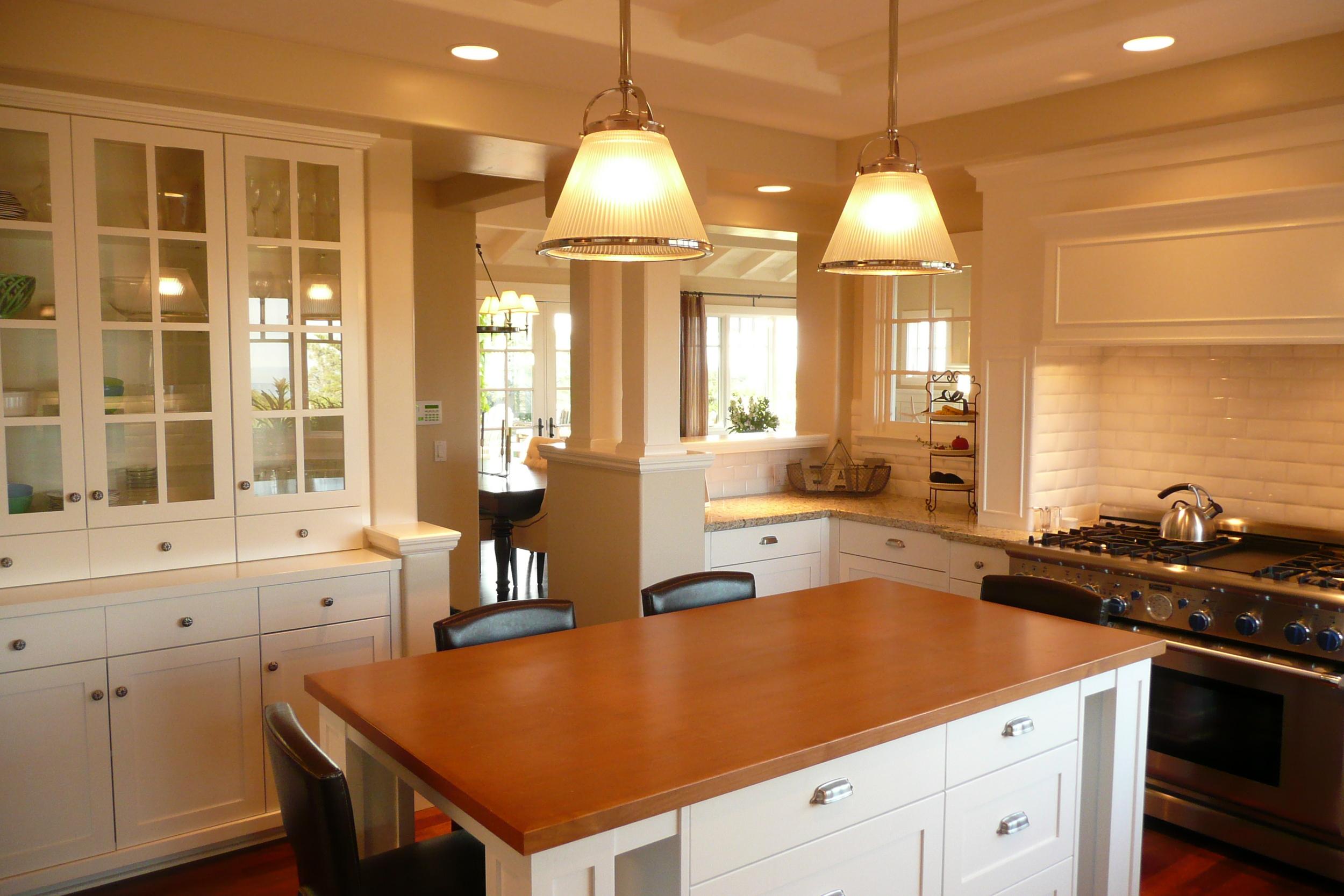 10-351 Kitchen 1.JPG