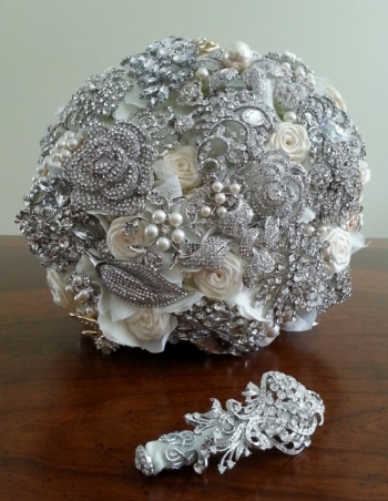 Clay Bouquet Shop   Unique handmade bouquets and floral accessories. Custom gifts and keepsakes.    www.claybouquetshop.com