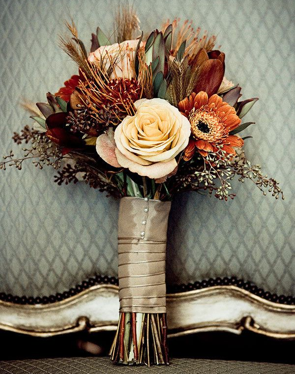 Photo: Pinterest This bouquet incorporates rich fall colors in a very sophisticated fashion