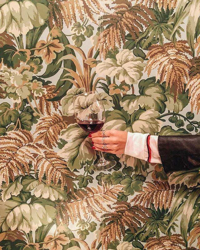 Satisfy your Sunday cravings, enjoy a glass of Pinot Noir. 🍷 📸: @gab.lobo