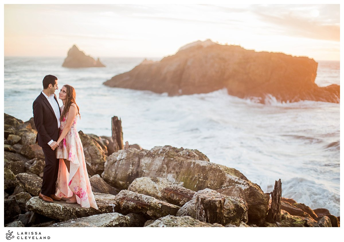 How gorgeous is this shot of S&J from their engagement session with Larissa Cleveland?! Major heart eyes.