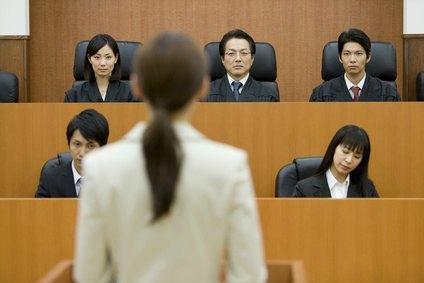 DUI-lawyer-court-appearance-jury