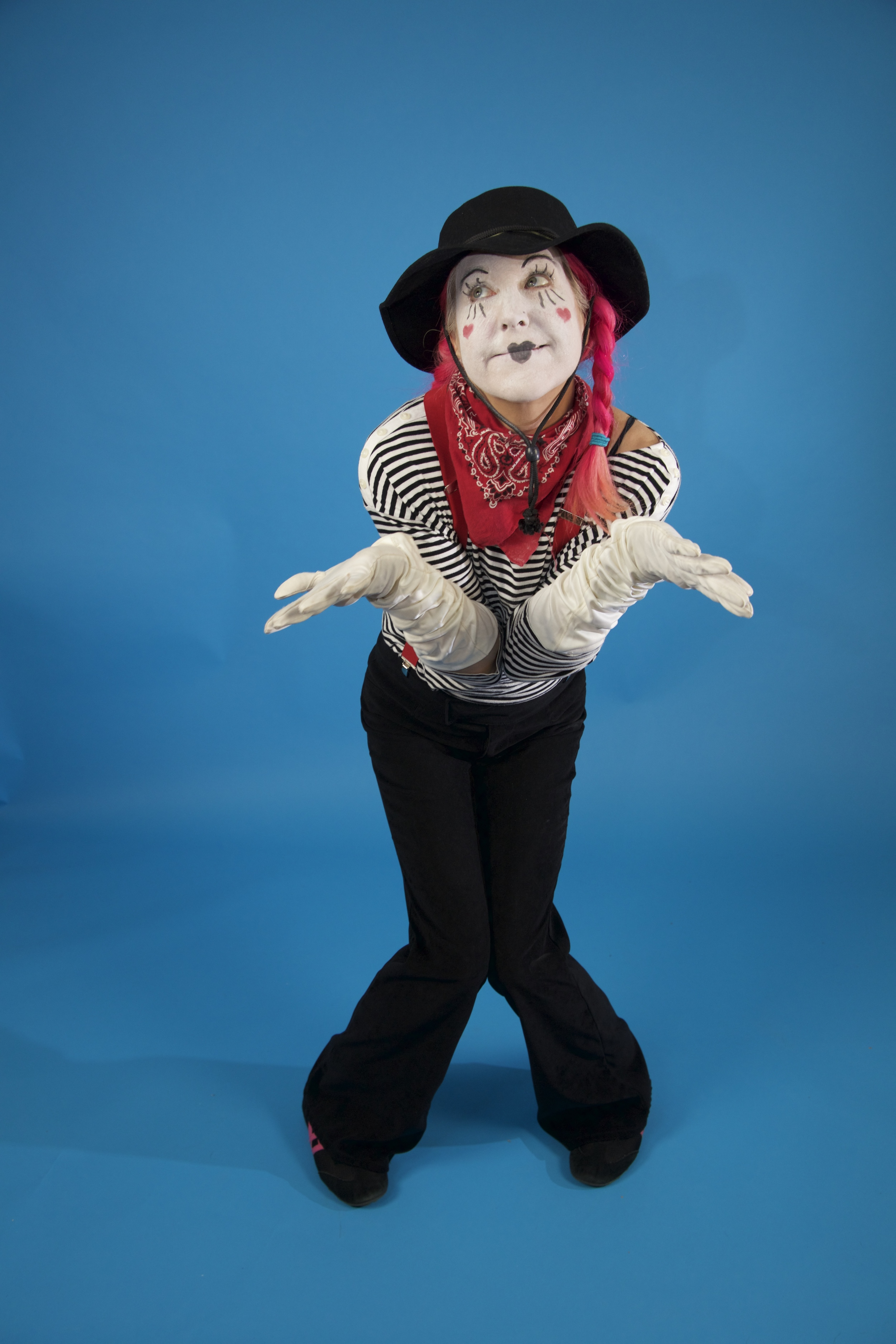 BEE BEE (clown) the Mime