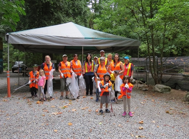 Creek Clean Up - August 11, 2018HCWS joins with the Great Canadian Shoreline Cleanup. Volunteer visitors and members worked Sat. morning and collected 70 lbs of garbage along Hyde Creek Trails and in the creek bed. Kudos to our visitors who participated & to Starbucks on Prairie who donated wonderful coffee.