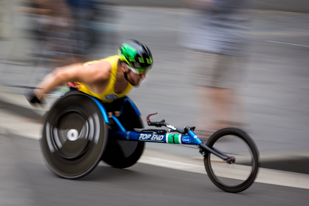 Kurt Fearnley on his way to winning the open section of the Wheelchair race 2017  (c) Michael Smyth