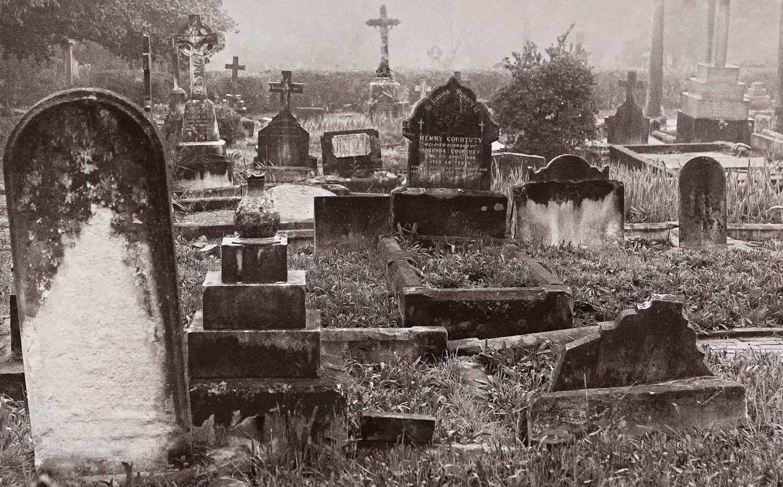 Graham Munkman_2 Gore Cemetery, Foggy day.jpg