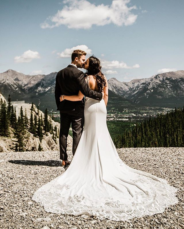 Dress goals, couple goals, view goals, this whole day just hit all the goals! 🙌
