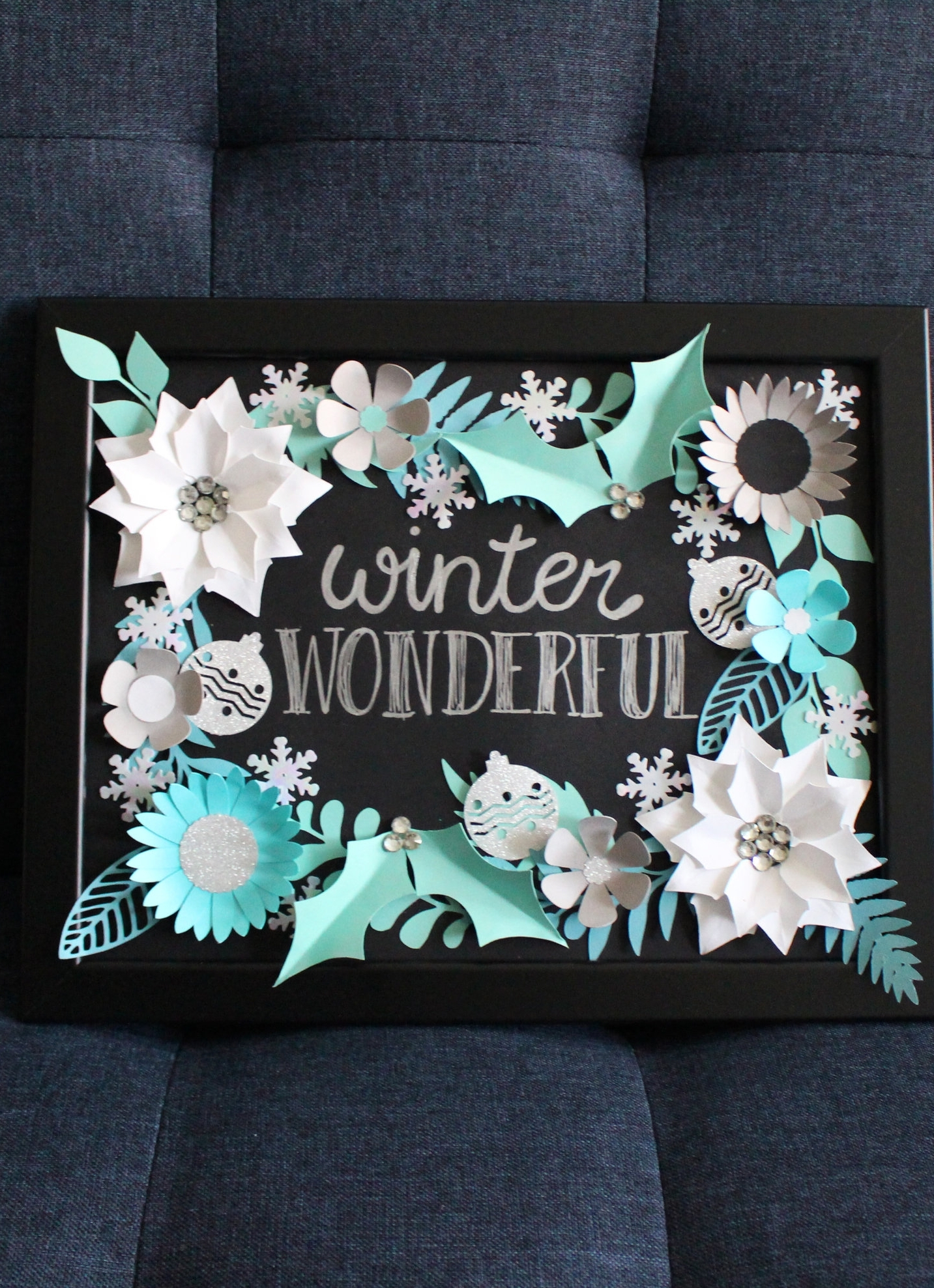 DIY Winter flower frame