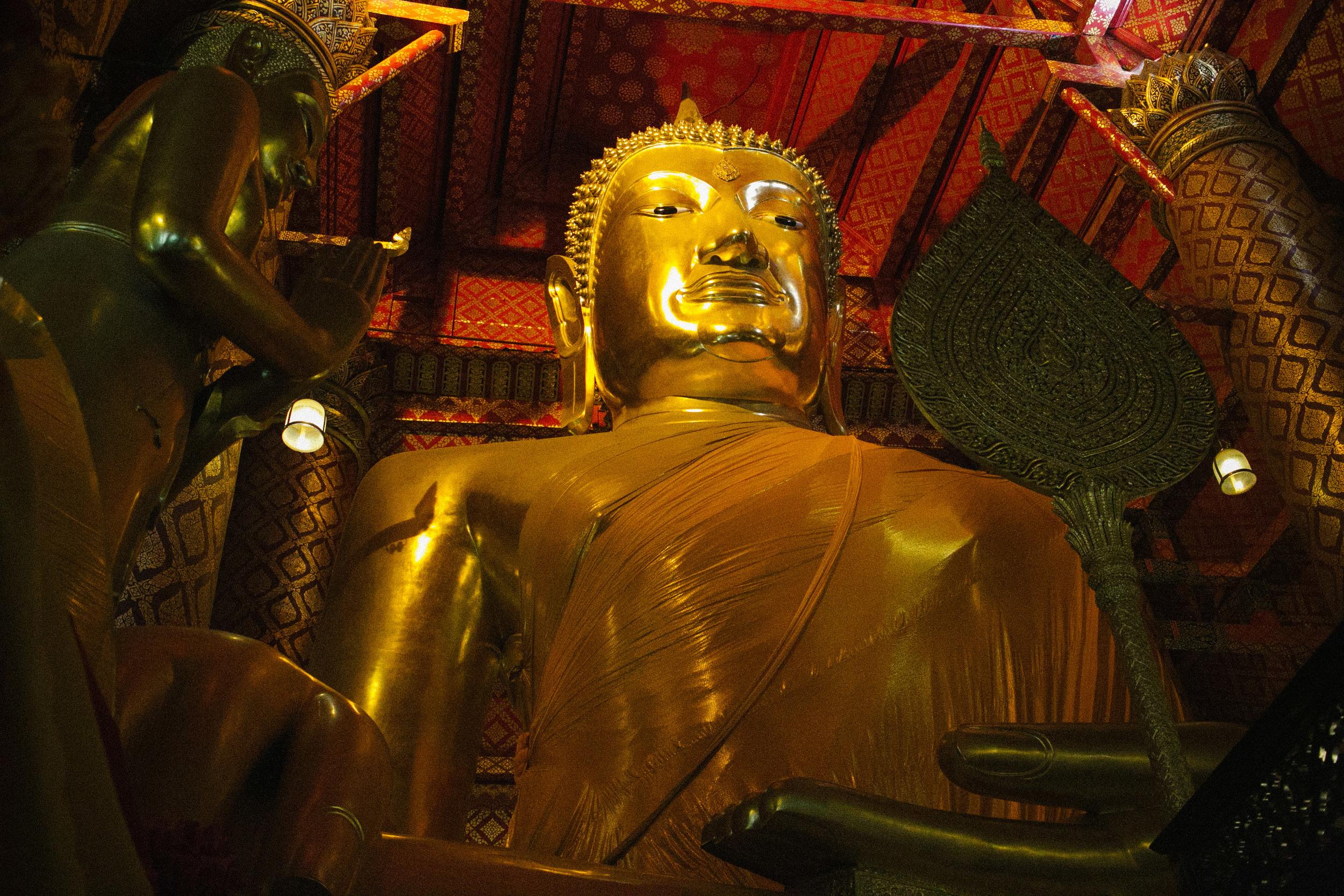Wat Phanan Choeng Buddha