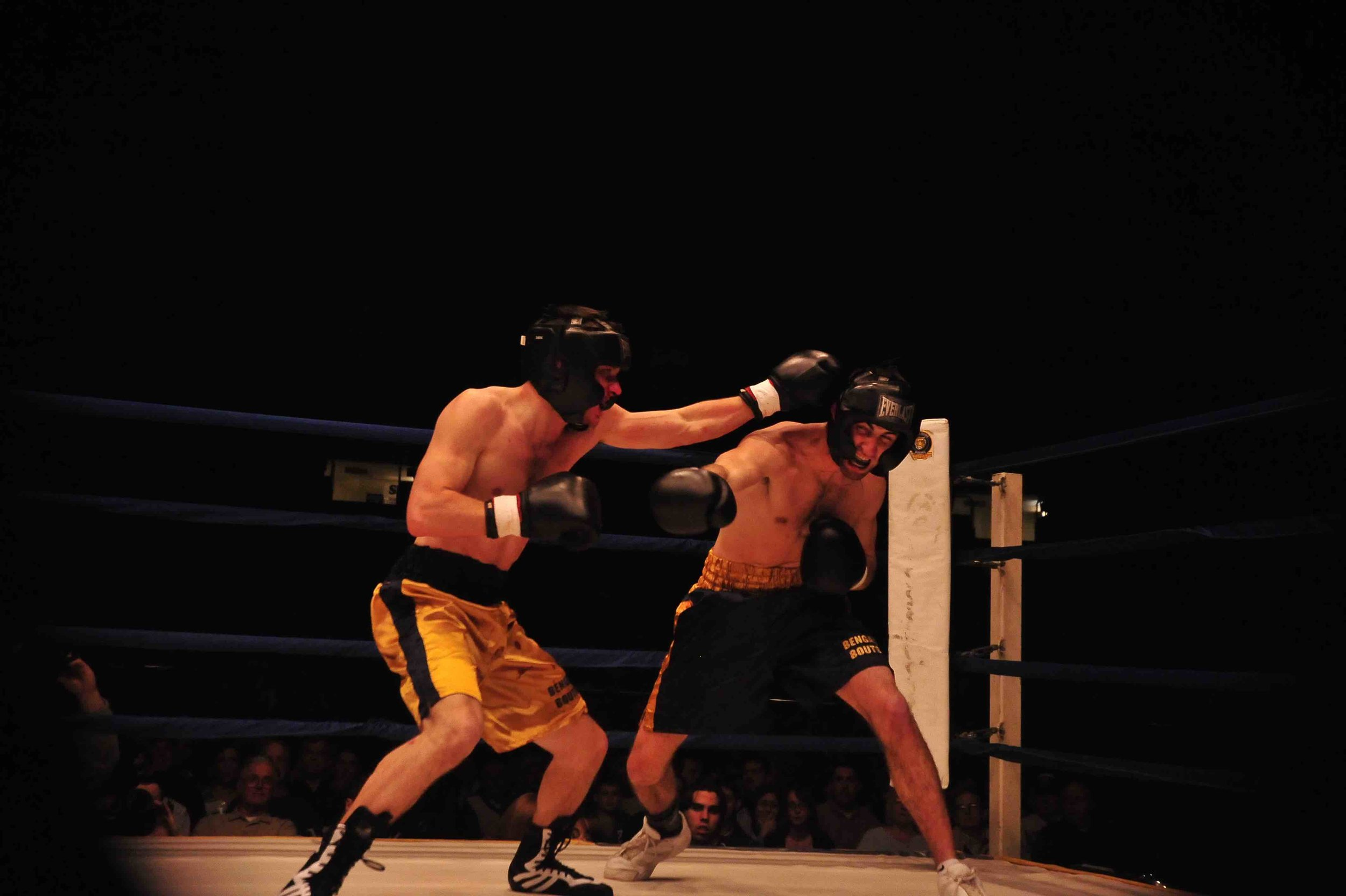 Mark Weber (left) competes with Bobby Powers (right) in the 2009 Bengal Bouts finals at the University of Notre Dame.