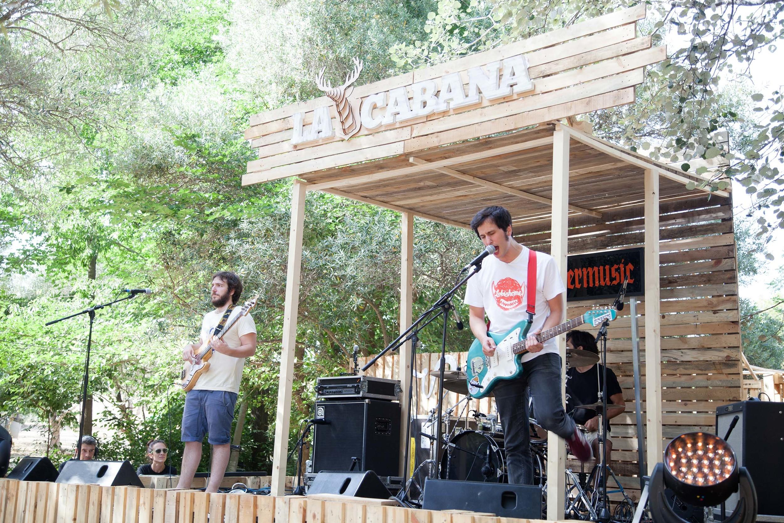 21_Juventud Juche_Vida Festival_La cabana.jpg