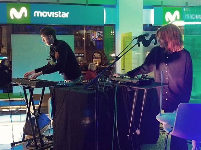 Arrenquem el cicle de #ShowcasesVidaxMovistar amb O'o (@mohobraccatus) a la botiga de Diagonal!