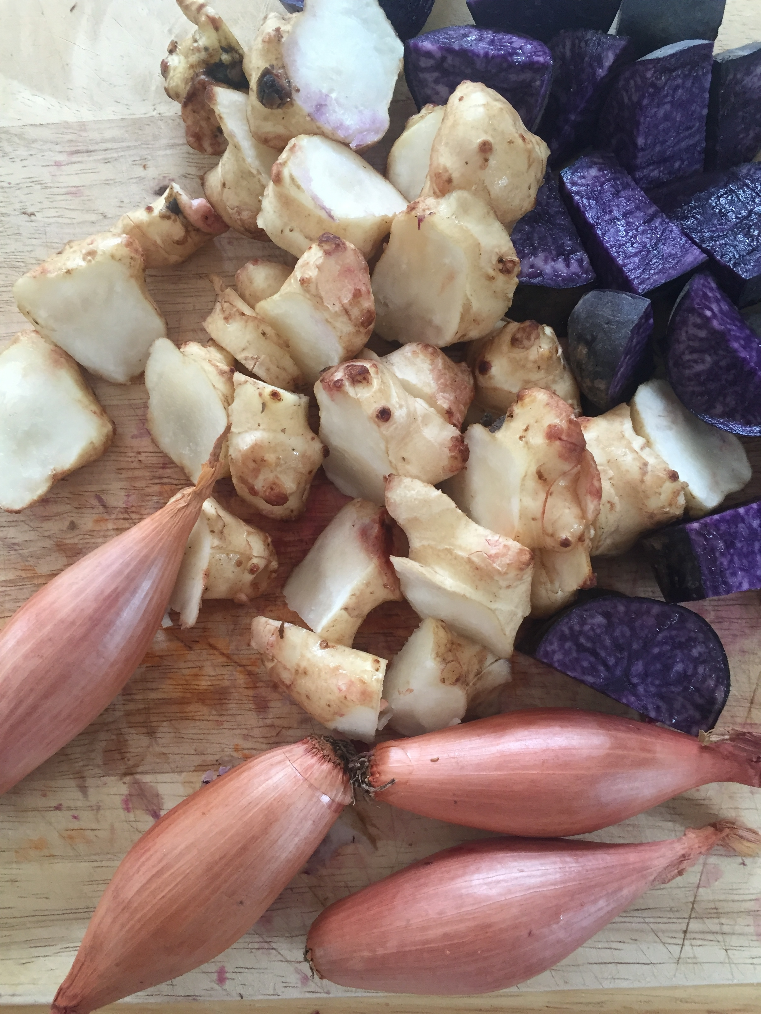 Such beautiful colours! Purple potato (antioxidant rich!) french shallots and prebiotic jerusalem artichoke.
