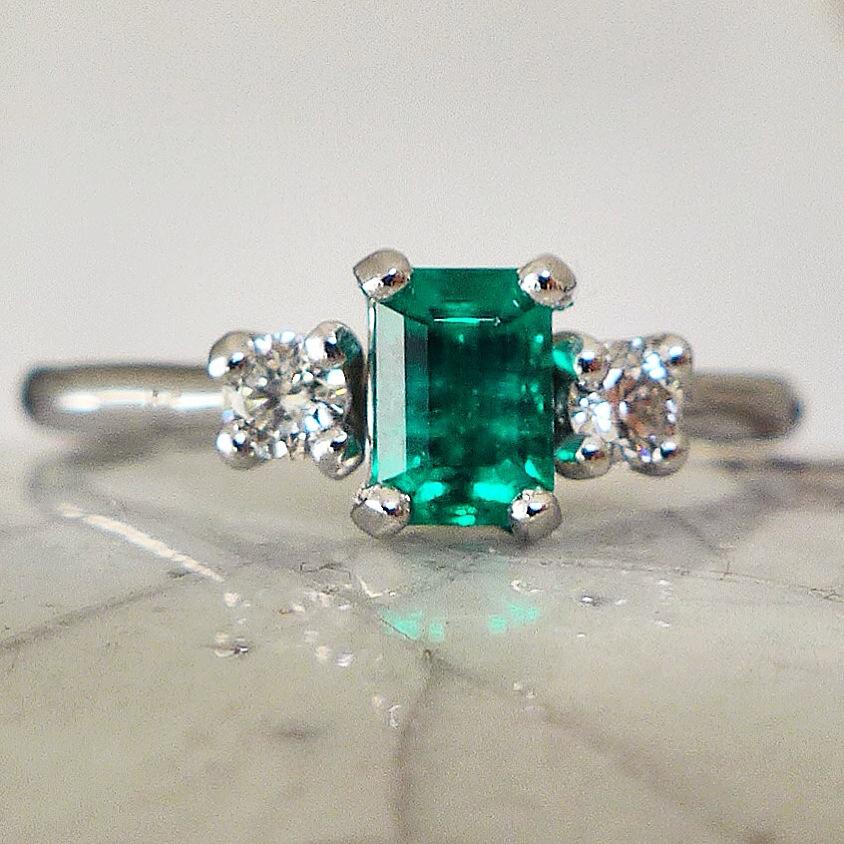 emerald-engagement-ring.jpg