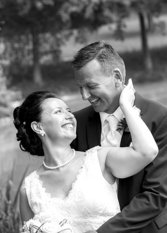 Brautpaar ist verliebt