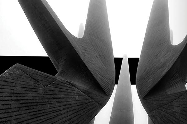 mahoney-spomenik-thumb.jpg