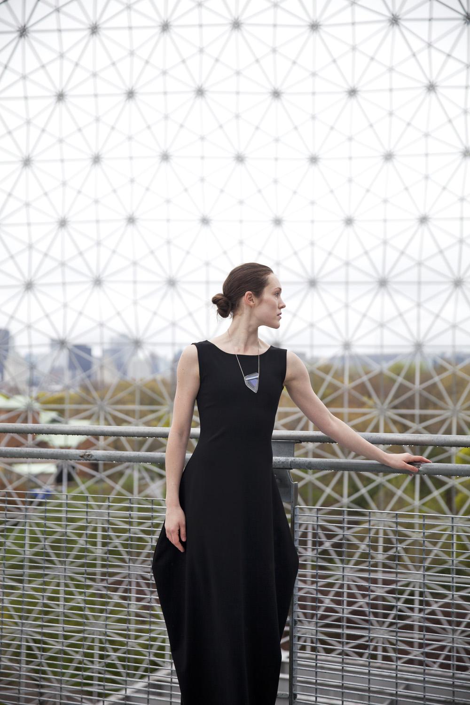 Lieu:  Biosphère (Arch. Buckminster Fuller)  Ballerine:  Sarah Kingston  Designer:  Elisa C-Rossow et Méla par Mélanie Laplante