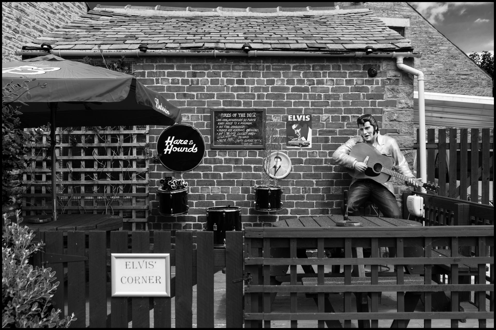 27 May 2019 - Elvis's corner, New Mills UK