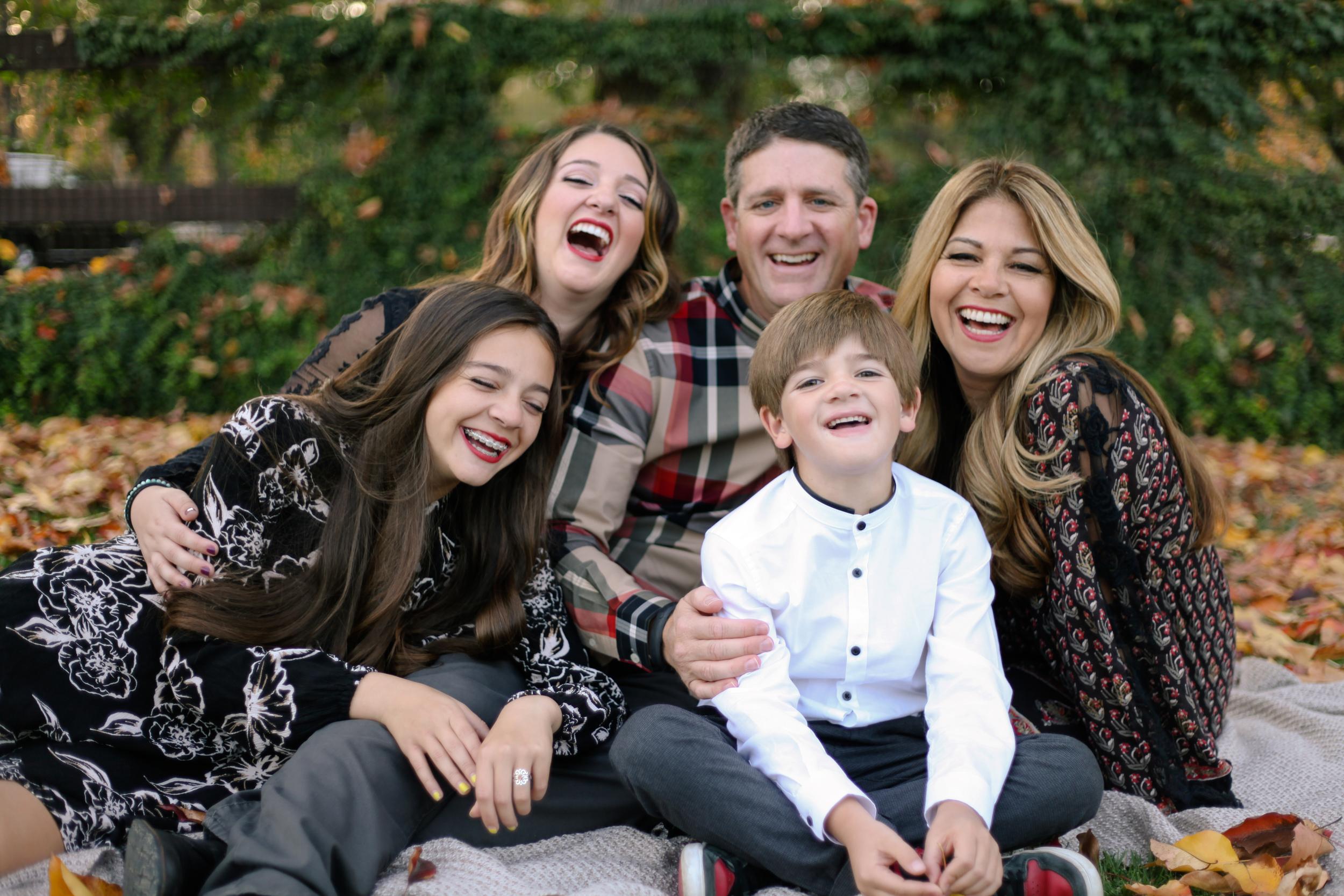 11-29 Gianis Family-5860.jpg