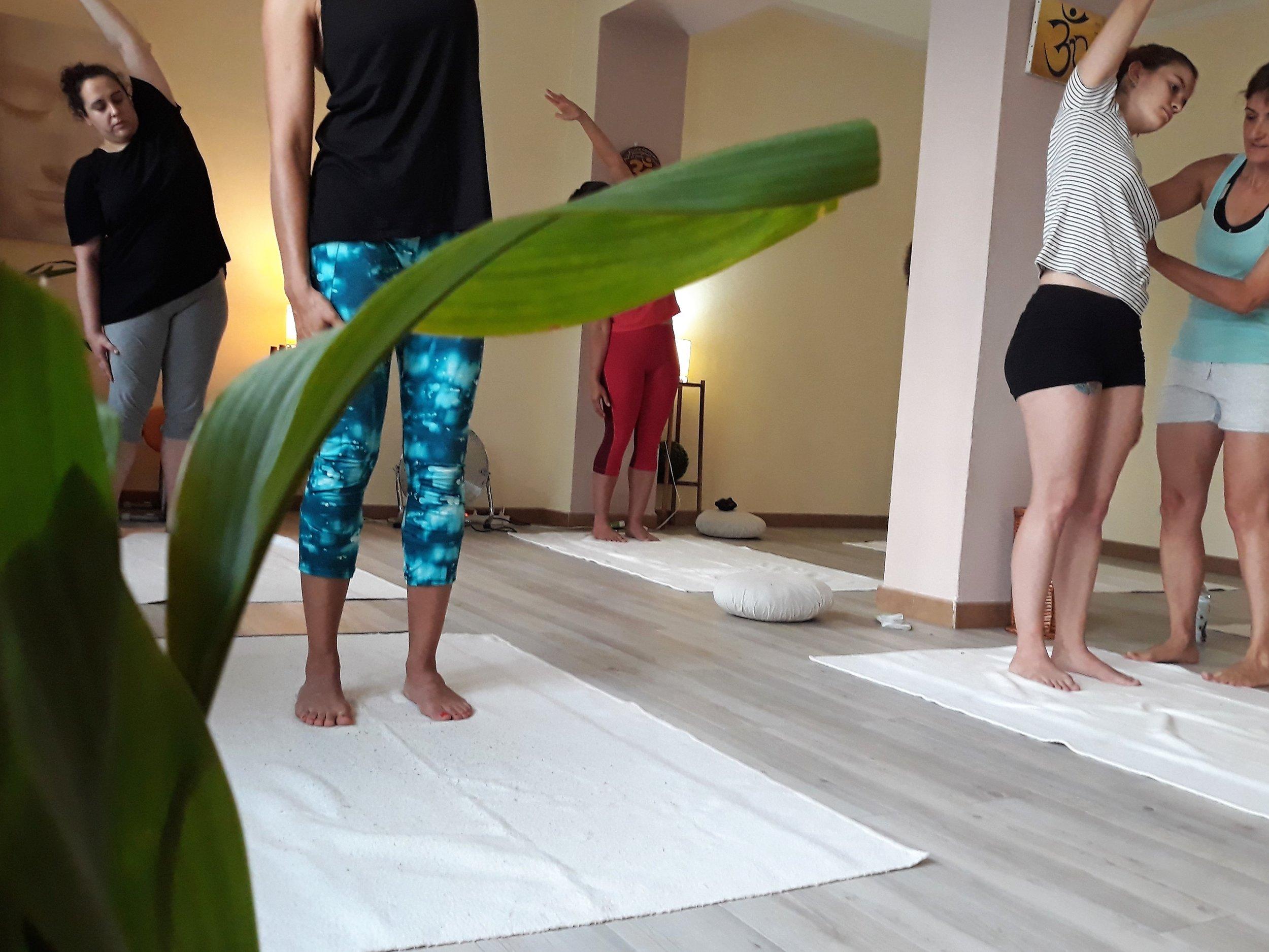sants-yoga.jpg