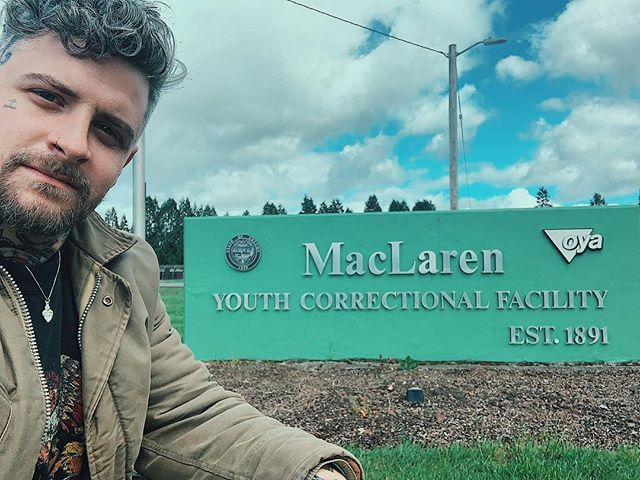 Okay so something pretty sick happened yesterday and I wanted to share. I got the chance to speak at MacLaren Youth Correctional Facility here in Oregon. This is a prison that houses 14-25 y/o young men that I had the pleasure of speaking to, laughing and bonding with for a day. I have the most respect and reverence for what these dudes have been through and I learned so much about the stigma of prison and the humans inside of them. I was blown away to see full kitchens, automotive shops and metal fab projects all being work by these incredible dudes. Not only were these guys getting career/trade training and furthering their education but most of them are making money and saving up for what's next on the other side. One day wasn't enough and I'll be going back to hopefully mentor these young dudes on a regular basis. I can't bring my phone in and this maybe all you ever see but know that there is a lot of love and hard work being put in behind its fences and walls. Respect and love my brothers ♡ I'll see you soon (swipe for a letter from amazing staff)