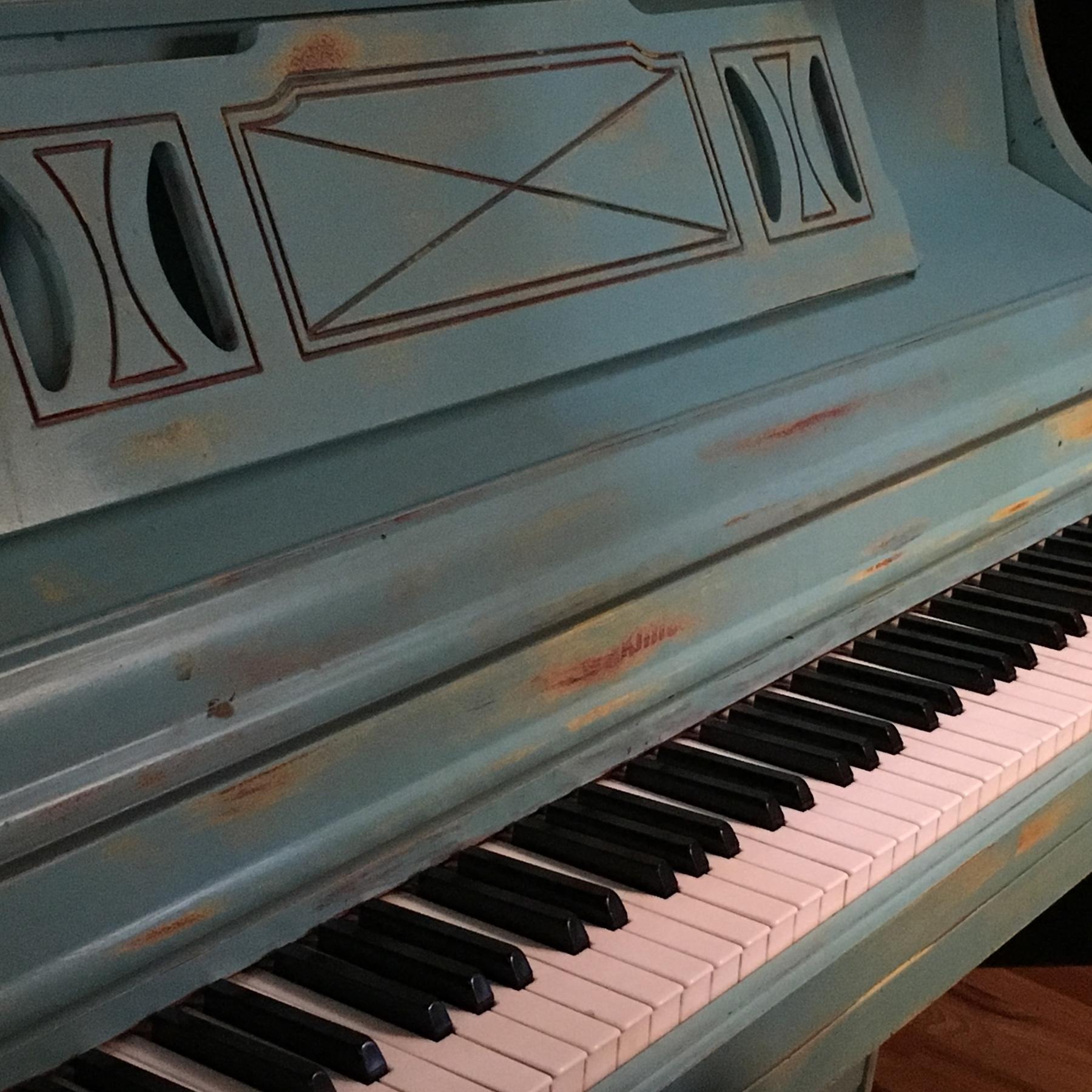 TWV2_piano.jpg