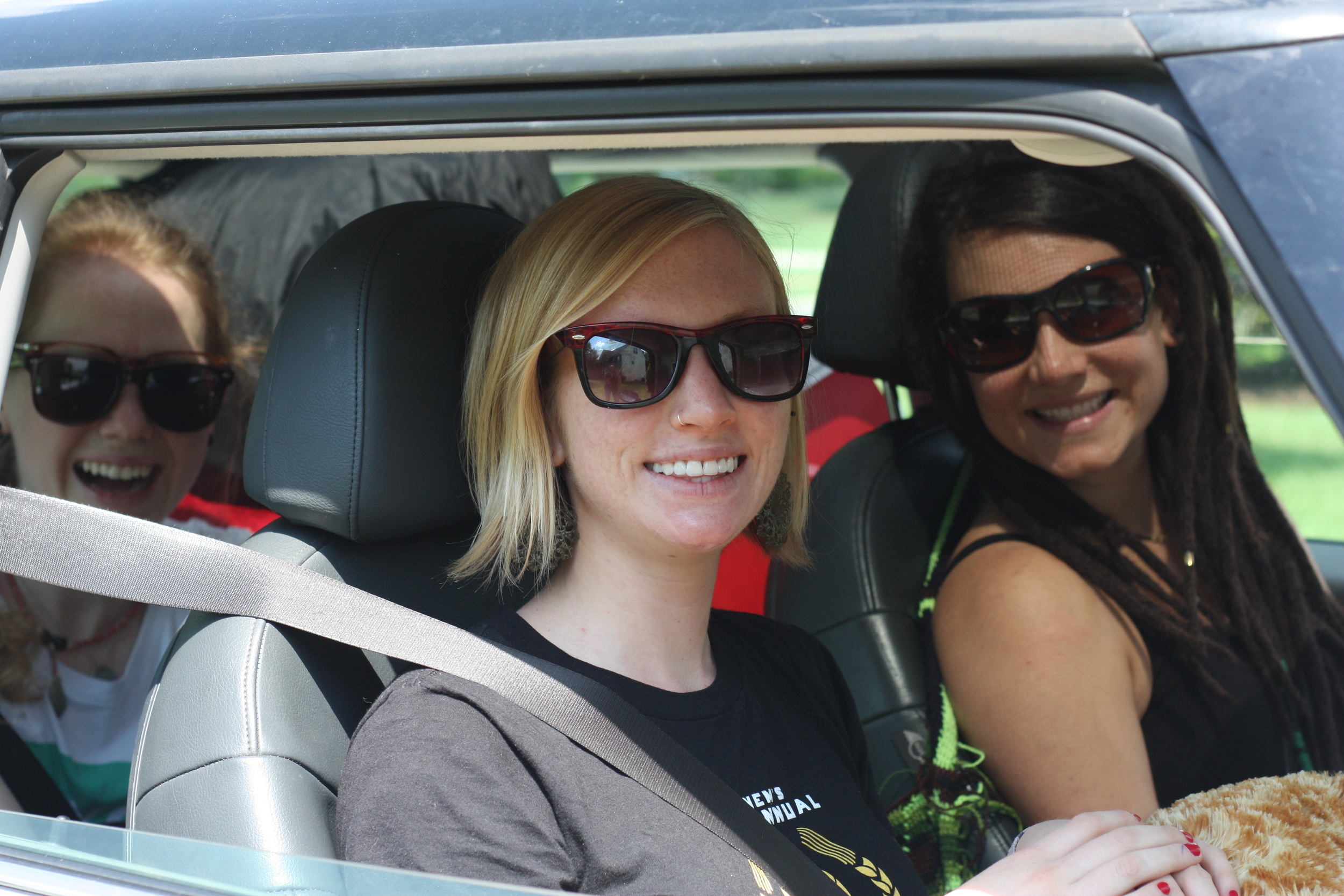 Elin, me and Julia in her tiny little Mini Cooper in South Carolina the day we left for our epic trip.