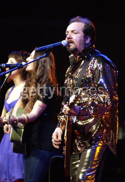 Playing with Pete Wylie & the mighty wah at the echo arena 2008 with Ringo starr.jpg