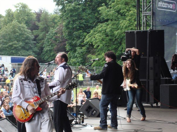 Knowlsey Hall Music Festival w: Pete Wylie.jpg
