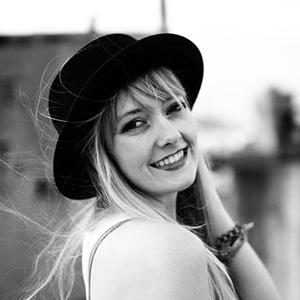 Kayla_Clements_Headshotcrop2.jpg