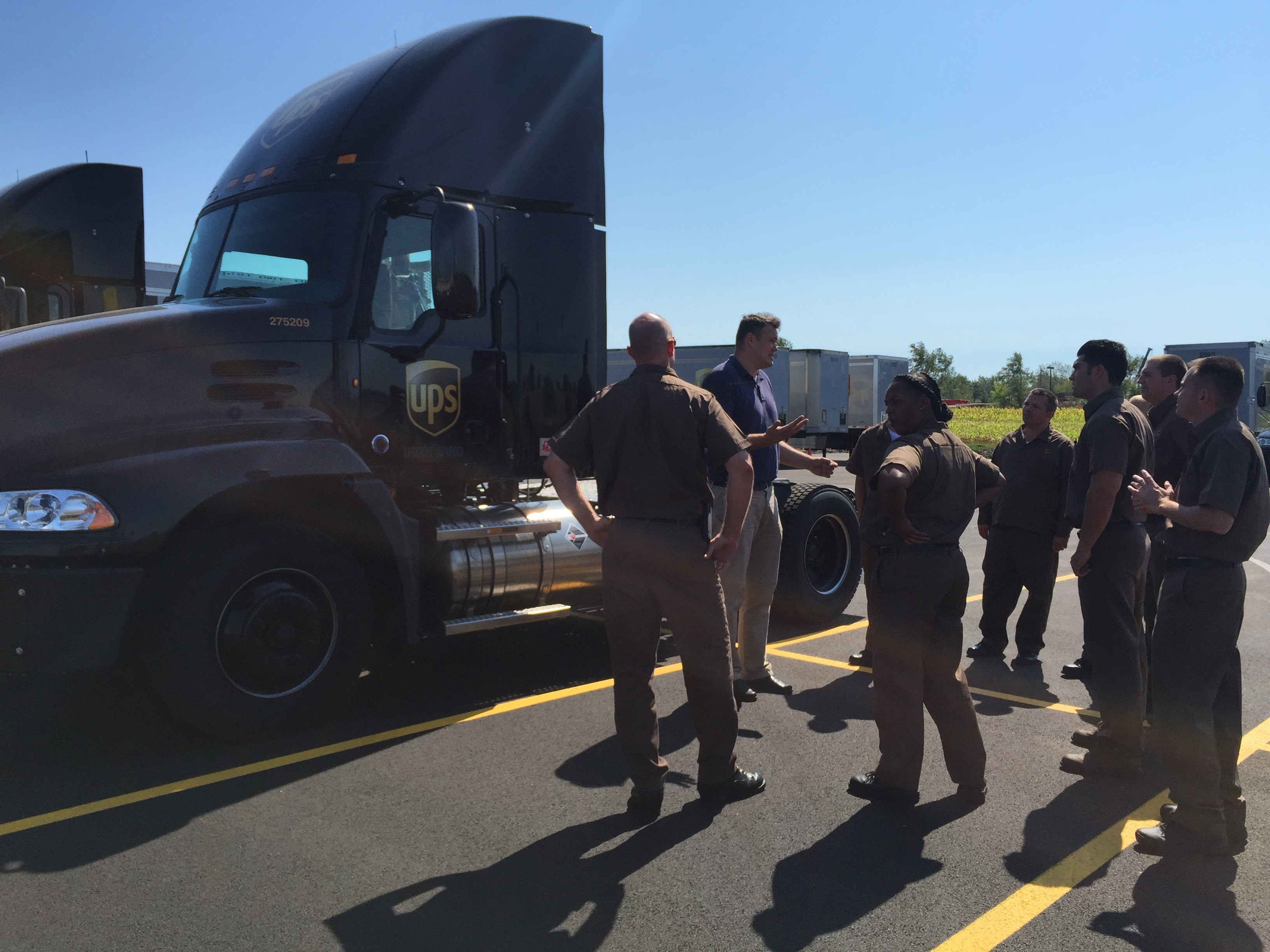 Learning alternative fuels LNG and CNG tractors, UPS is the first company to implement successfully on-road alternative fuels in Commercial Vehicles.