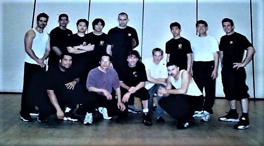 Spot me! 1999 Seminar with late Sifu Ted Wong A private student of Bruce Lee for over 220 sessions documented and was often referred to as the protégé . Also still kickin' Sifu Mark Stewart. #1999 @bruceleefoundation @brucelee #martialarts #jeetkunedo #jkd #martialarts #boxing #fencing #kickboxing @jkdcoloradoofficial  @jkdmotril_spain_