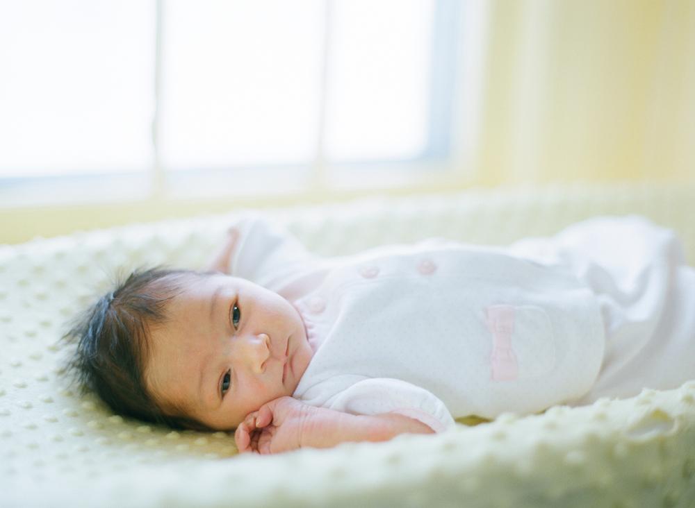 lifestyle-newborn-session-photography-007.jpg