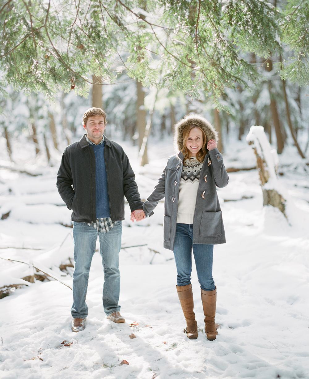 winter-engagement-photos-wausau-003.jpg