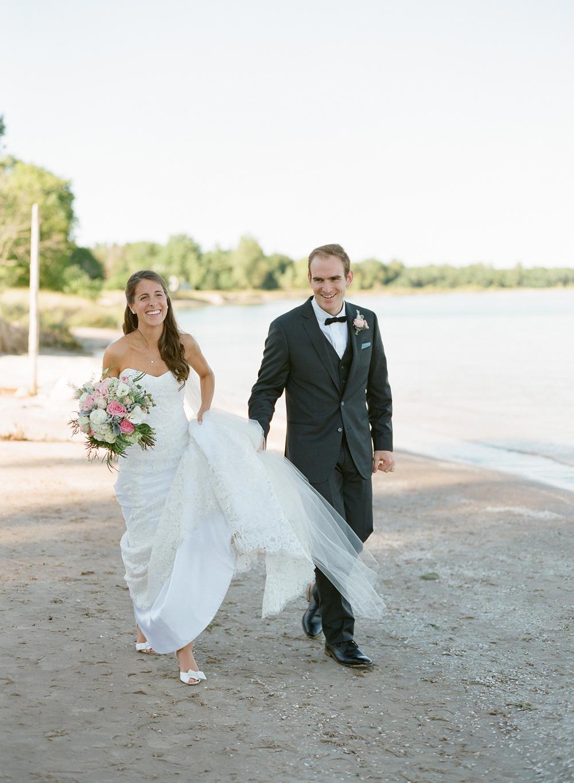 about-thyme-door-county-wedding-024.jpg