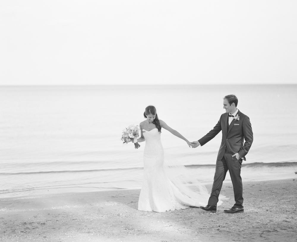 about-thyme-door-county-wedding-042.jpg