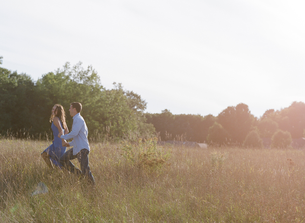 Wisconsin_Engagement_Photographers_028.jpg