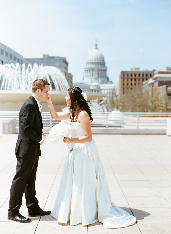 Wisconsin_Wedding_Photographers_012.jpg