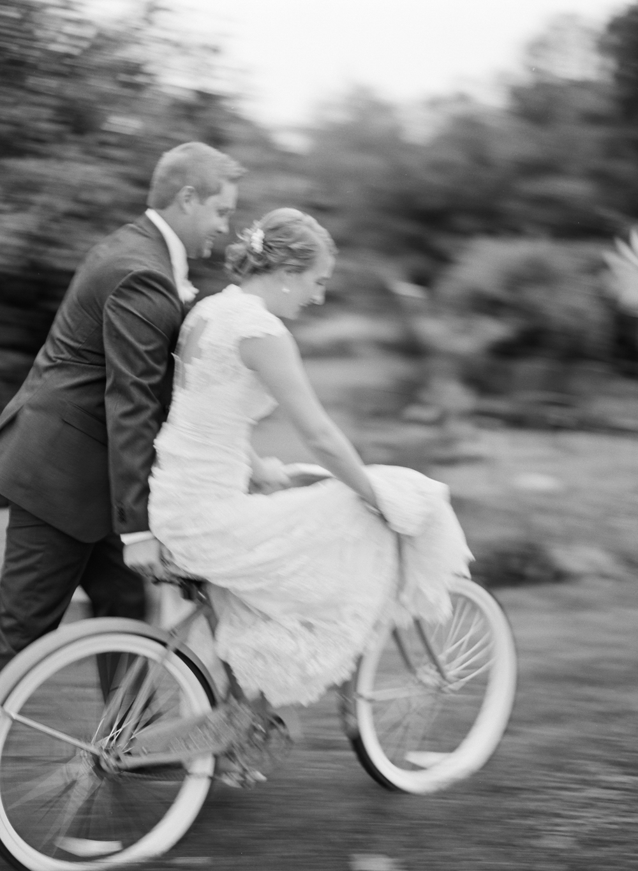 Wisconsin_Wedding_Photographers_044.jpg