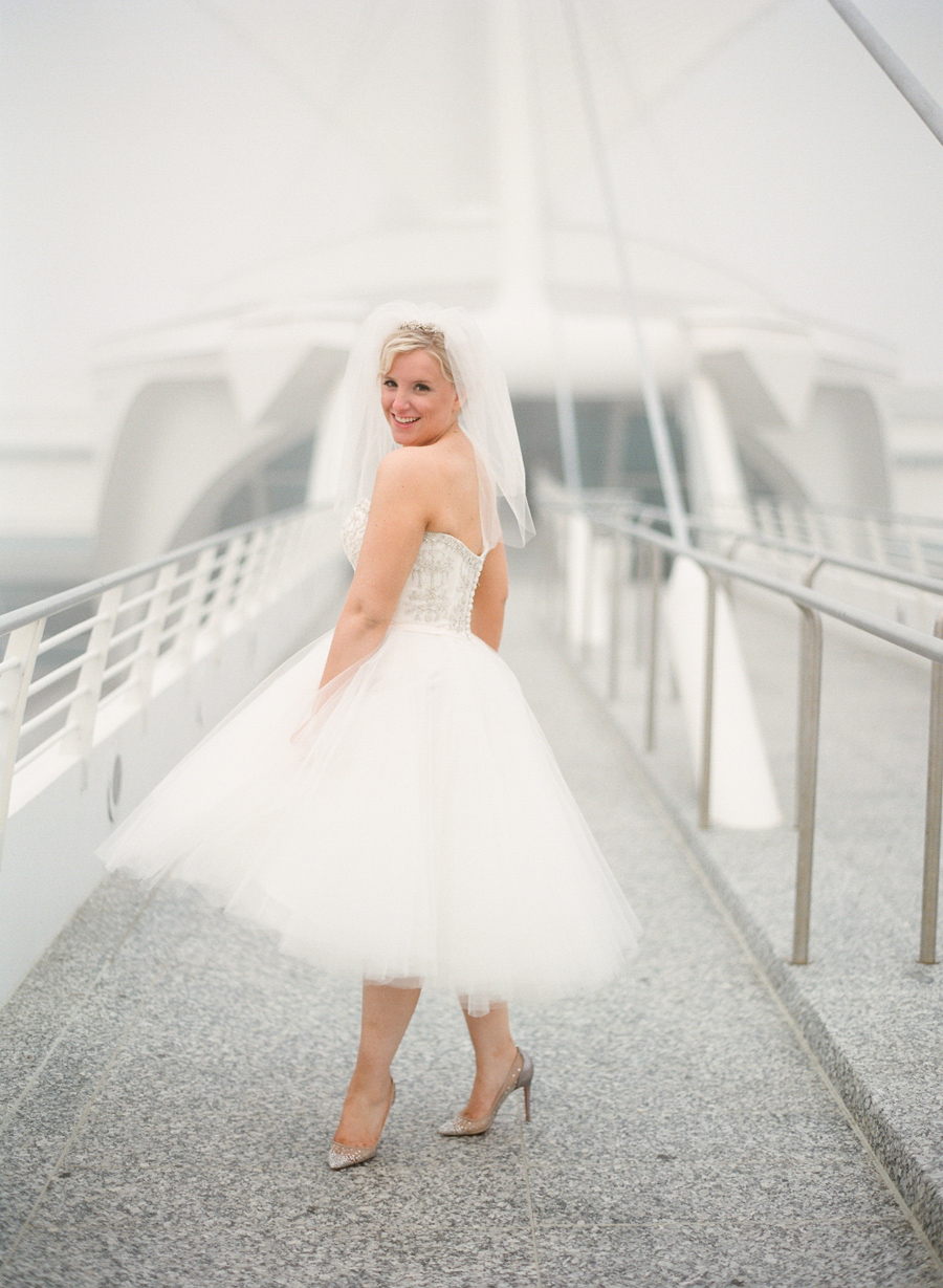 milwaukee-art-museum-wedding-portraits