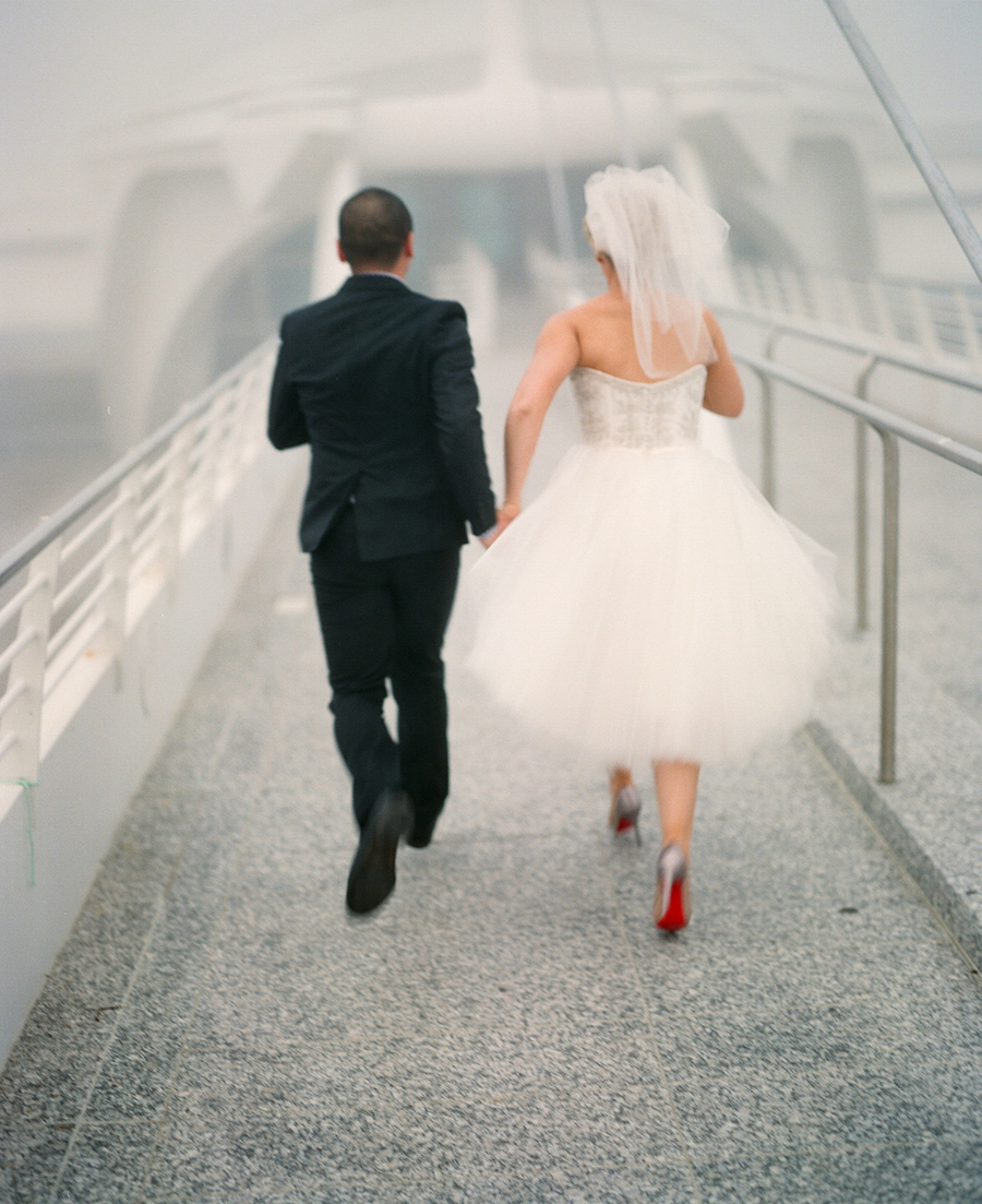 milwaukee art museum wedding bridal portraits
