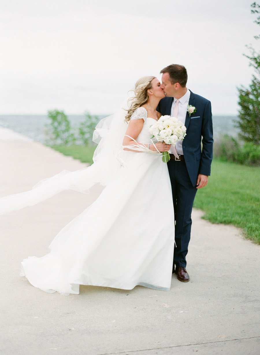 Horseshoe_Bay_Beach_Club_Door_County_Wedding_024.jpg